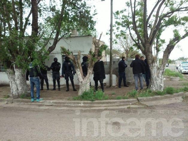 Dos allanamientos tras el enfrentamiento en el Coronel Dorrego