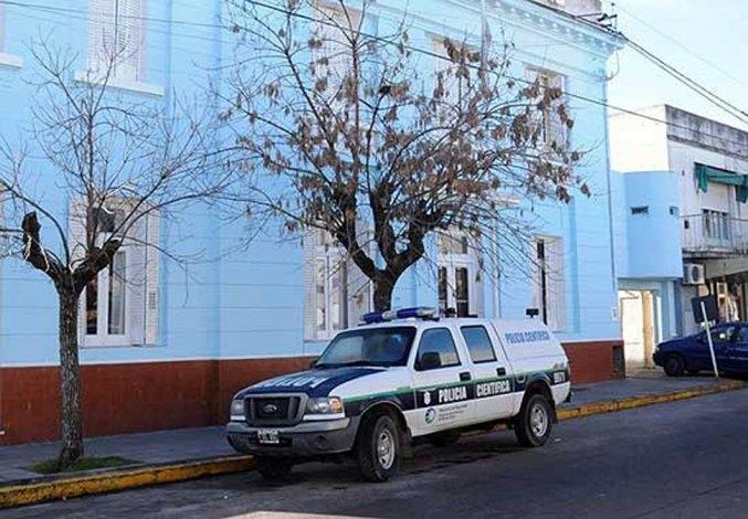 Saltó paredón de una vivienda con elementos robados y lo aprehendieron