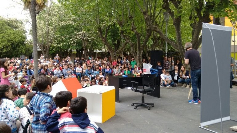 """Comenzó la tarde en """"Cultura Viva"""" con Nik y Gaturro"""