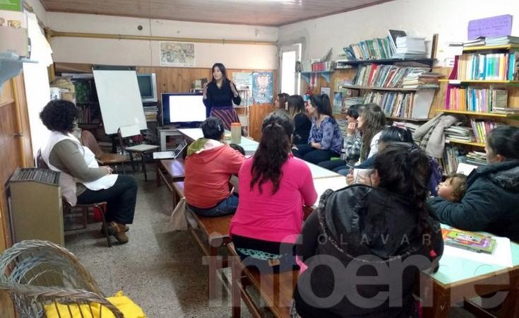 Charla sobre violencia de género en la Escuela Nº 6