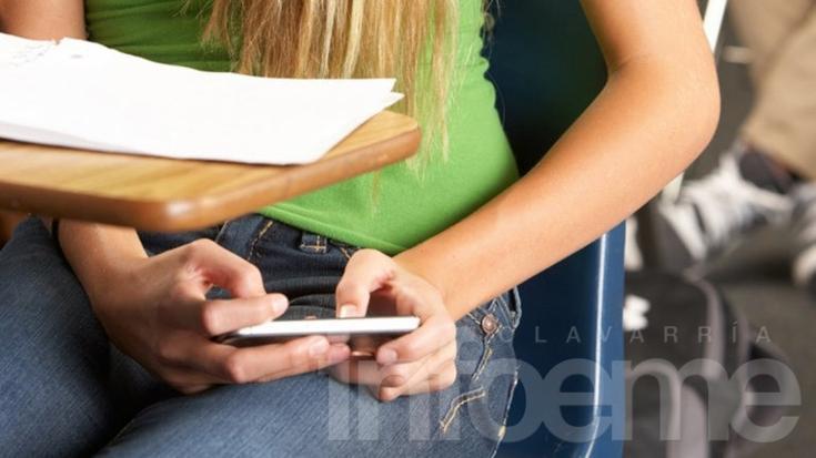 """Ahora dejarán usar celulares y tablets en las aulas """"con fines educativos"""""""