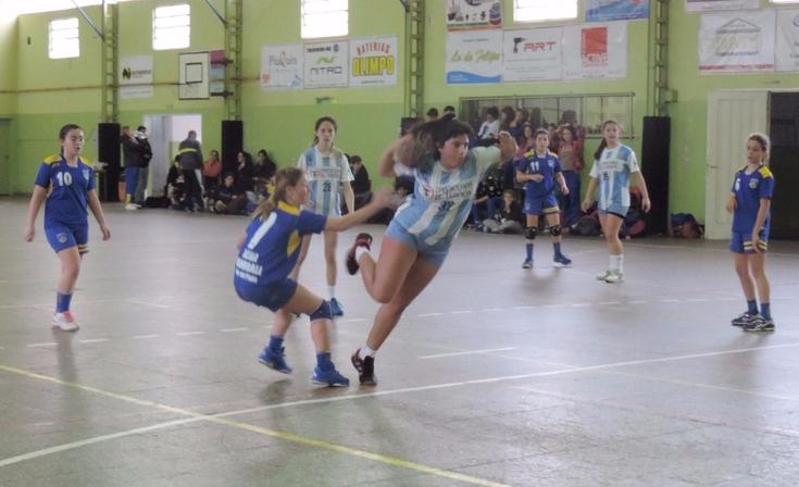 """Una victoria y una derrota para el handball """"carbonero"""""""