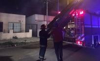 Desesperante: mujer quedó encerrada en medio de un incendio