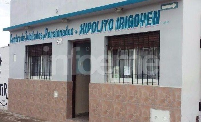 Centro de Jubilados Hipólito Yrigoyen entrega bolsas Pro Bienestar