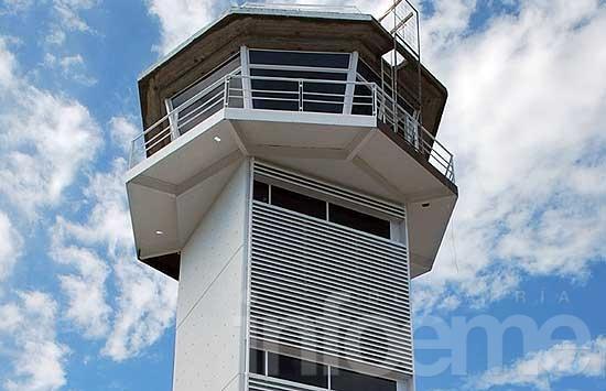 Tras 30 años culminarán la torre de control del aeropuerto