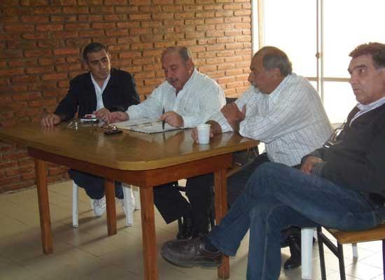Plenario sindical antes de la reunión con Cuartango