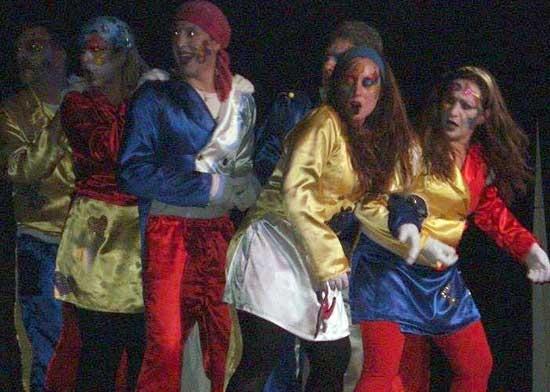 Grupo de teatro bolivarense presenta obra en Punto de Giro