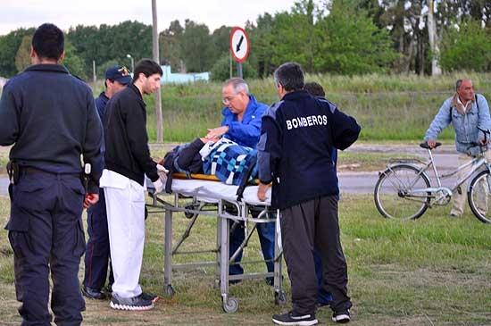 Dos jóvenes heridos en accidente en avenida Emiliozzi