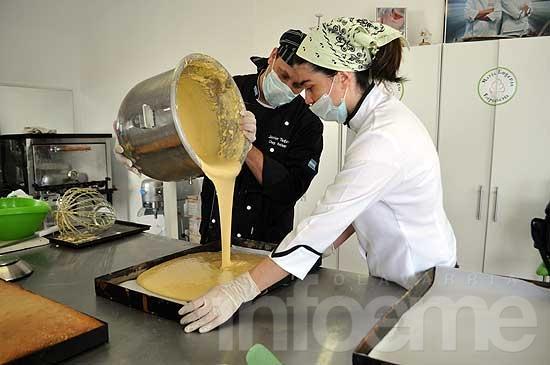 """Así se prepara la torta """"más pesada del mundo"""""""