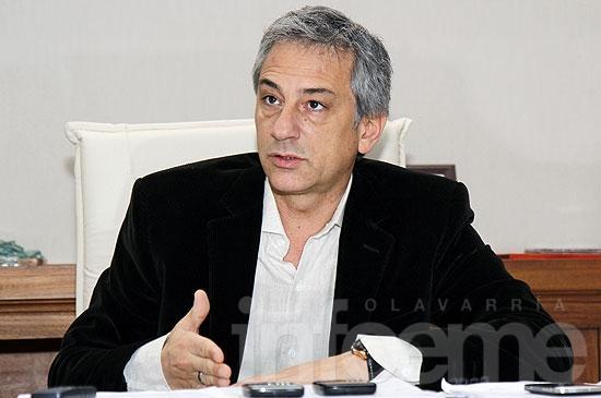 """""""Scioli tiene que acordar primero con los intendentes del FPV para que no aumenten las Tasas"""""""