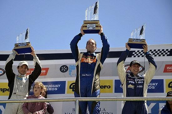Pezzucchi se subió a otro podio y quedó a un paso del título