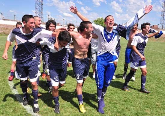 El Fortín, Embajadores, Estudiantes y Ferro, campeones del año