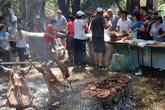 "Declaran de Interés Provincial la fiesta ""Un aplauso al asador"""