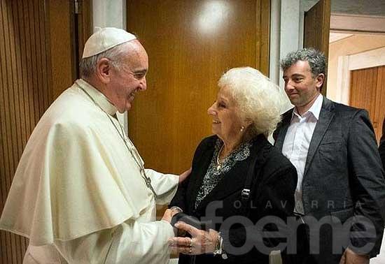 El Papa recibió a Estela e Ignacio en el Vaticano