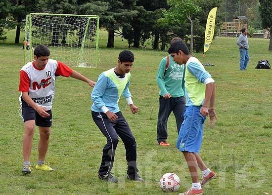 Tarde de fútbol y merienda en el Parque Helios Eseverri