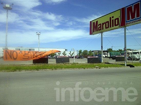 Protesta de mercantiles frente a distribuidor mayorista
