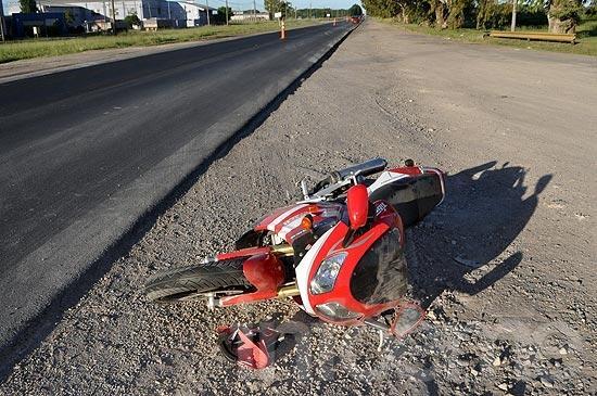 Dos heridos tras choque de motos en ruta 51