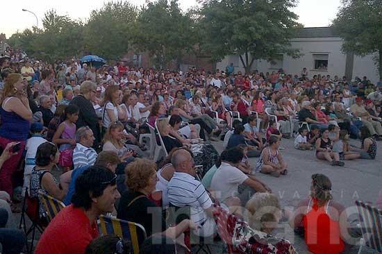 Miles de personas disfrutaron de la Fiesta de la Kerb