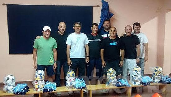 Diez clubes recibieron equipamiento deportivo