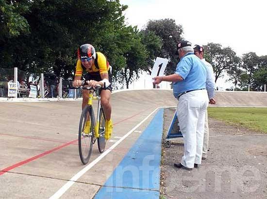Ciclistas olavarrienses lograron medallas en Junín