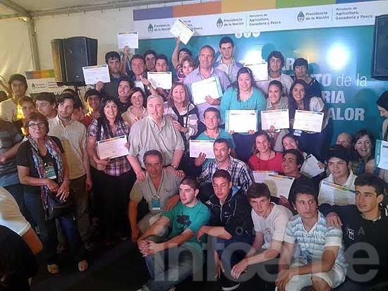 Alumnos de la Escuela Agropecuaria fueron premiados