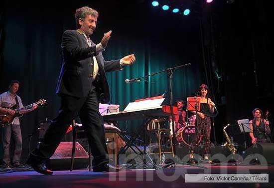 Ignacio Guido se presentó con su banda en el ND Ateneo