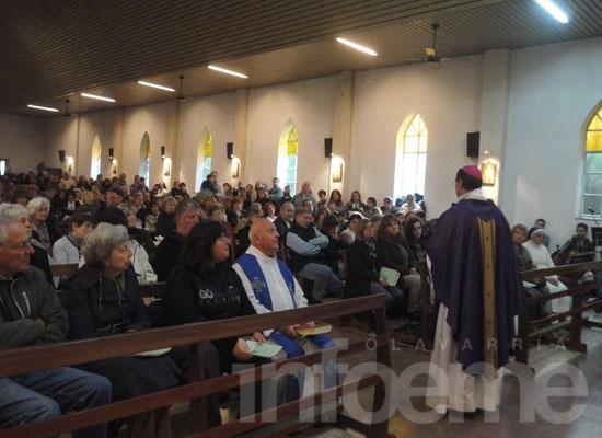 Emotiva misa tras el ataque a la Parroquia de Fátima