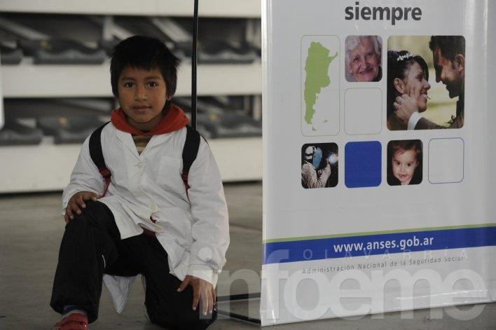 Colegios podrán cargar certificados escolares en la web de ANSES