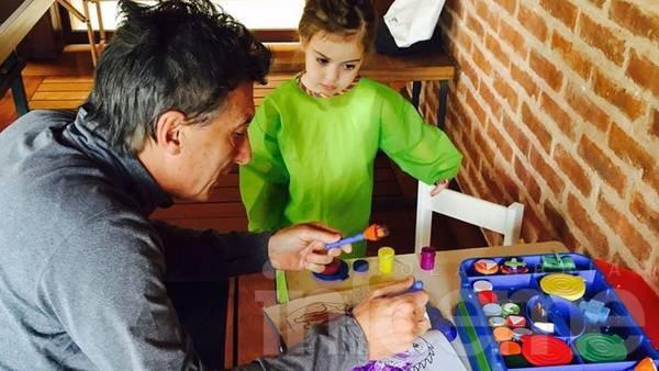 """Macri: """"Mi hija Antonia me preguntó si era verdad que los huevos Kinder no iban a tener más sorpresas"""""""