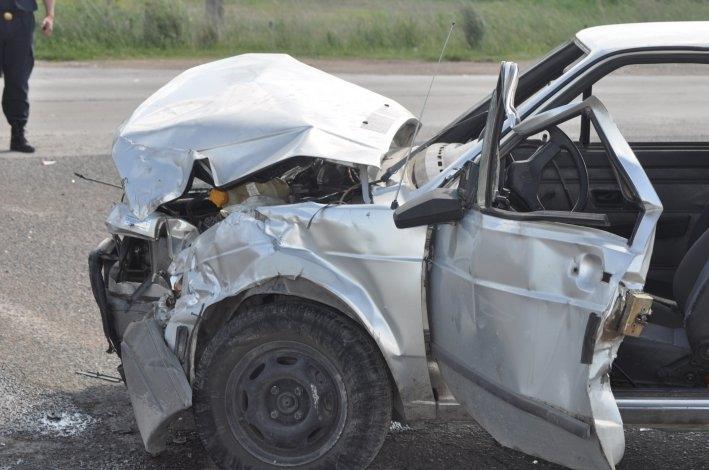 Tres heridos en un fuerte choque frente al Autódromo