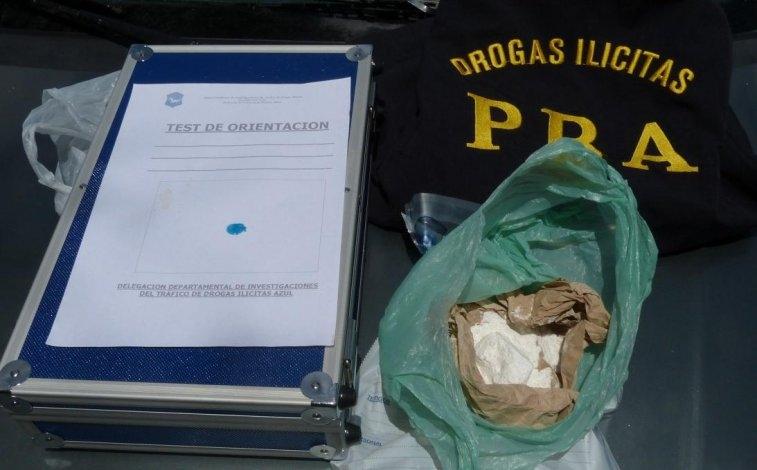Detuvieron a un azuleño con 100g de cocaína de máxima pureza
