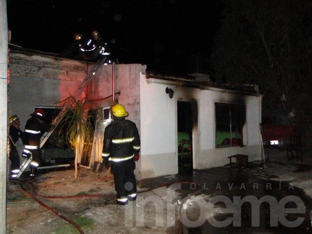 Se incendió una vivienda en Barrio Lourdes