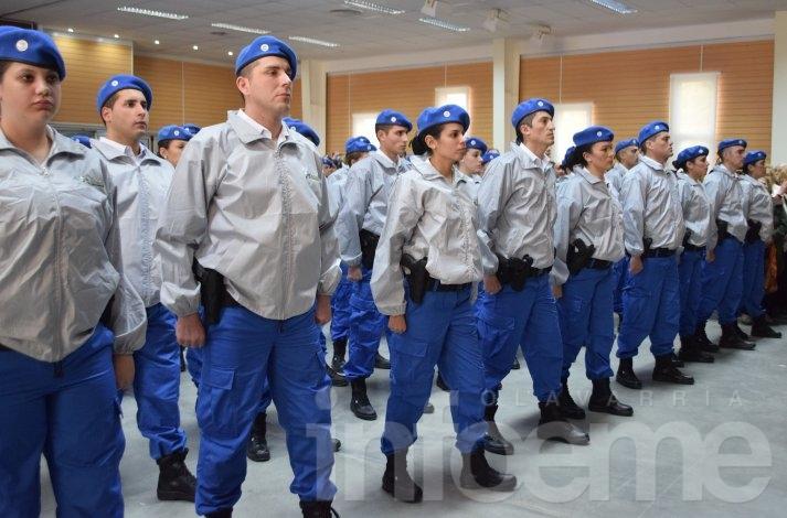 Ya son oficiales los últimos egresados de la Escuela de Policía Local