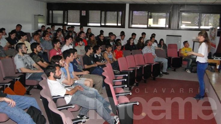 La Unidad de Educación de ARSAT brindó una charla en Ingeniería