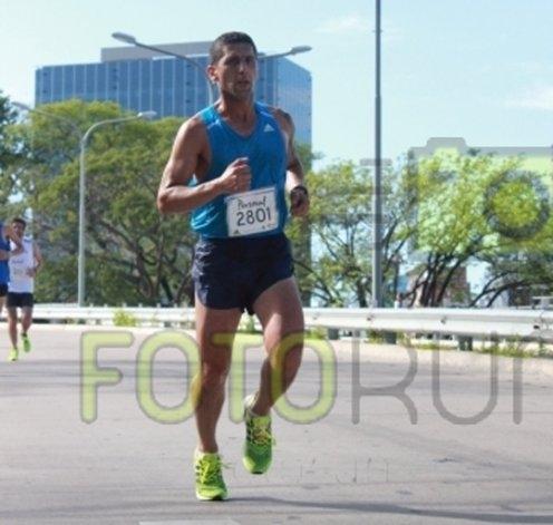 El local David Guevara corrió la ¼ Maratón de Buenos Aires