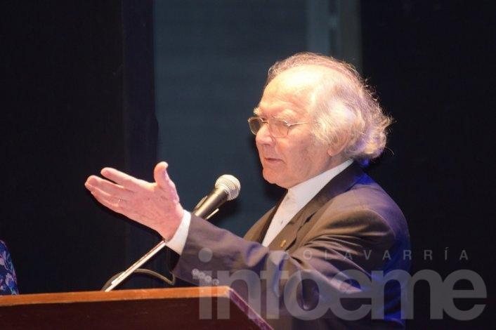 "Pérez Esquivel recibió el ""Doctor Honoris Causa"""
