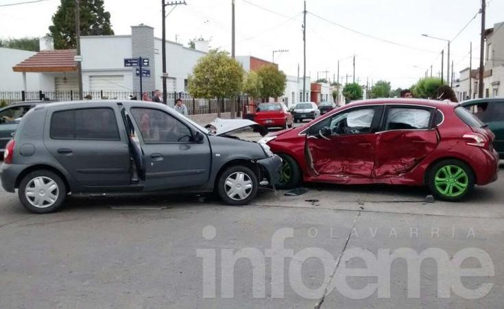 Fuerte choque en el Barrio Luján: Dos heridos