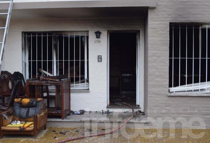 Villa Floresta: Importantes pérdidas en el incendio de una vivienda