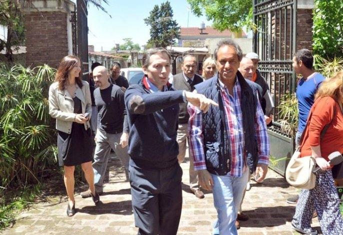 En plena veda, Scioli recorrió ciudades del Conurbano