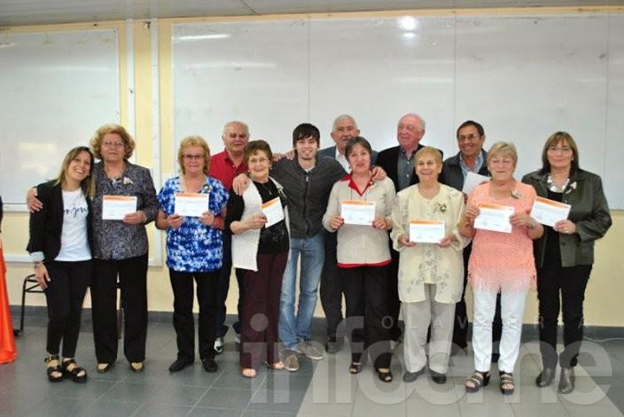 Terminaron los talleres de UPAMI, con alegría y certificados