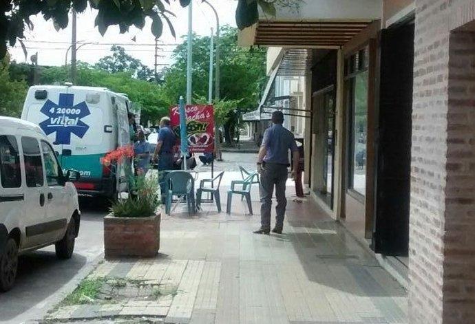 Robaron y golpearon a un comerciante en pleno centro: se dieron a la fuga y los atraparon
