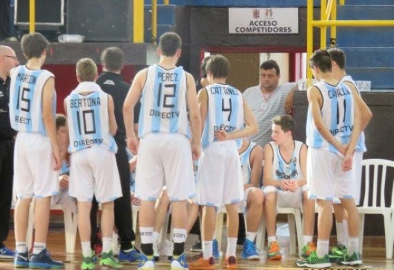 Argentina, con Amán, sigue a paso firme