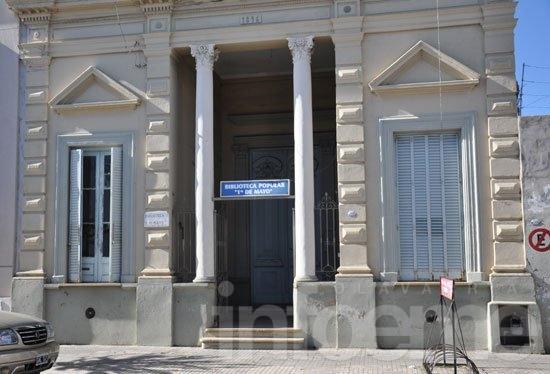 Asamblea en la Biblioteca 1º de Mayo