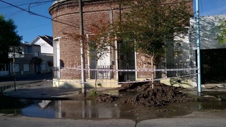 Este lunes no habrá agua en toda la ciudad: repararán una cañería principal