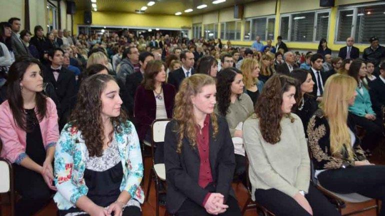 Más de 50 nuevos graduados de la Unicen recibirán su título universitario