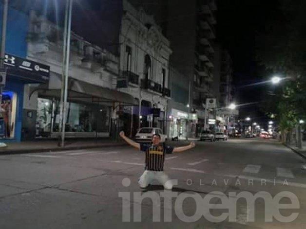El solitario festejo de un hincha de Central