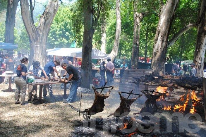Aplauso al Asador: Más de 25 instituciones tendrán puestos de comida