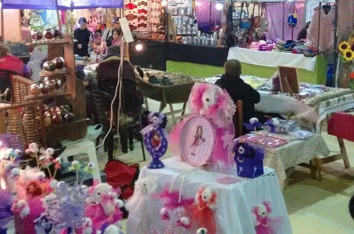 Feria de artesanos en el Aeródromo