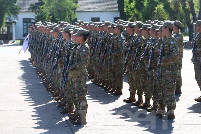 Ceremonia y reconocimientos en el Regimiento
