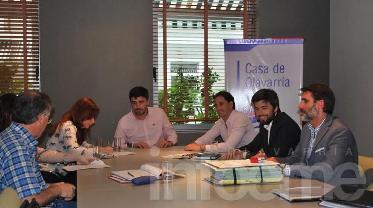 Firmaron los convenios para la finalización del barrio Pickelado